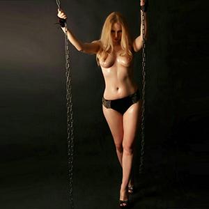 Blonde Ladie Lorena über Agentur Essen für Begleitservice & Sexmassage bestellen