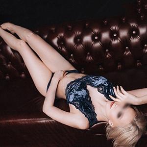 Escort Köln junges zierliches Topmodel Sangria für Sex & Begleitservice buchen