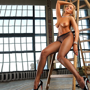Escort Agency Oberhausen Viktorija Ladie With Natural Breasts And Long Legs Popping Immediately
