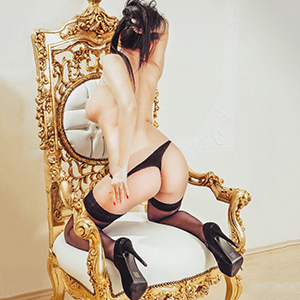 Escort Bonn NRW Callgirl Vesla Thick Butt Horny Boobs Loves Sex With Couples