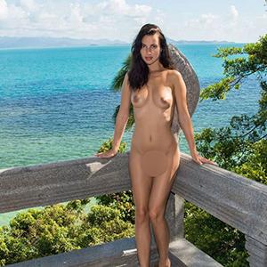 Bayba Escort NRW Bonn Dame mit riesigen Möpsen Sie sucht Mann für Sex im Hotel