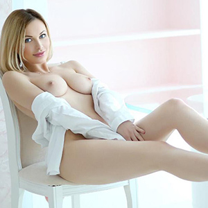 Escort Bonn NRW Nikita junges High Class Girl Top Figur besucht diskret Sextreffpunkte