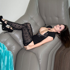 Escort Wuppertal NRW Top Model Albina For Sex In Suspenders Order