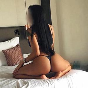 Escort Mülheim Top Escort Ladie Brianna Zungenküsse Sex im Hotel