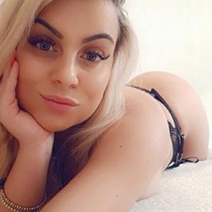 ESCORT VELBERT verlockende Hobbyhure Bella Bella öffnet deine Sex-Lust duch Facesitting über Partnersuche