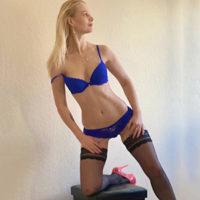 Hobbyhure Bella Top bei der Agentur Escort NRW Frau Sucht Mann für geilen Bi, Service für Frauen