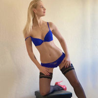 Hobby whore Bella Top at the Agency Escort NRW Woman Looking for a man for hot bi, service for women