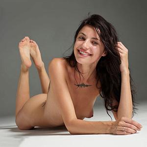 ESCORT KAMP-LINTFORT humorvolle Flirtmodel Kristall verzaubert dich durch Vibratorspiele (aktiv) über Singlesuche