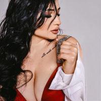 ESCORT BOCHOLT dicke Titten Prostituierte Ani Hot verzaubert deine Lust mit Latex/Gummi und Käufliche Liebe