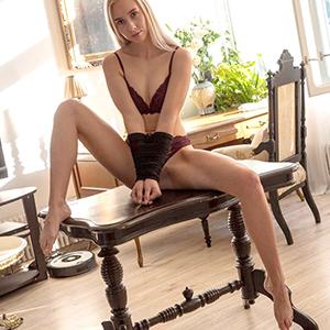 ESCORT ERFTSTADT professionelle VIP Class Dame Lynne enthüllt deine Träume mit Fesselspiele über Sexkontakte