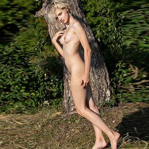 ESCORT TÖNISVORST romantische Hobbymodel Ova verzaubert deine Lust mit Körperbesamung und Freizeitkontakte