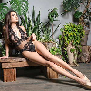 Top Hostesse Tati mit erotischen Fotos sucht Ihn für Striptease in Bonn