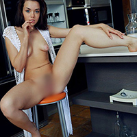 Beginner model Kalena at Agency Escort NRW offers love for sale as well as special oil massage