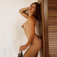 Order luxury woman Agatha Top at Agency Escort NRW via the partner search for pee