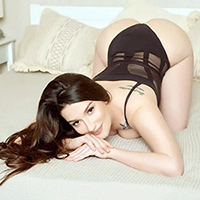 Top hooker Annabel at Agency Escort NRW for discreet escort service with special oil massage
