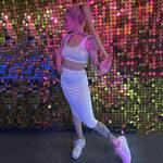 Supermodel Caroline Hot bei der Agentur Escort NRW bietet intime Sextreffen mit Striptease
